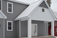 Charcoal Gray Siding with Glacier White BB and Charcoal HD Shakes