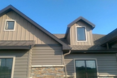 Timber Siding With Sandtone Shakes